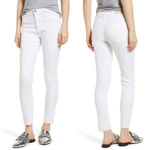 AG sz 26 Farrah skinny ankle white jeans
